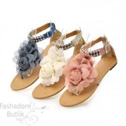 Lilledega sandaalid