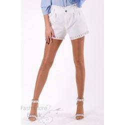 Pärlitega lühikesed püksid
